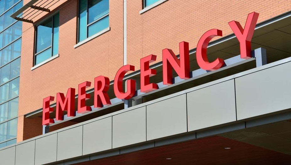 Get health care without insurance - emergency room sign